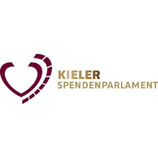 Beim Kieler Spendenparlament e. V. versammeln sich Bürger und Bürgerinnen aus der Region Kiel, die soziale Verantwortung übernehmen wollen.