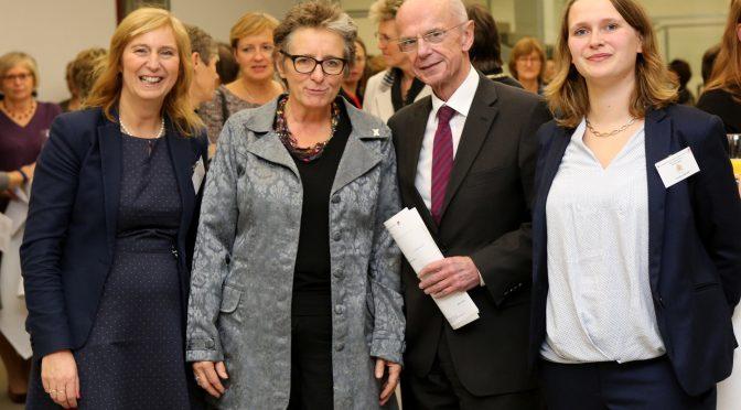 """Rede """"Frauen sind unschlagbar!"""" von Ursula Schele am 25. November 2016 beim Schafferinnenmahl in Bremen"""