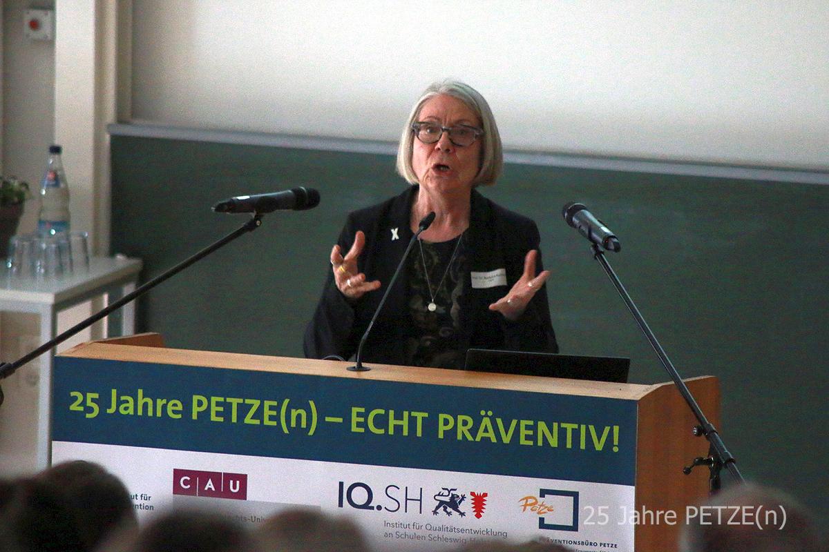 Prof. Dr. Barbara Kavemann, Sozialwissenschaftliche Geschlechterforschung FIVE Freiburg und Katholische Hochschule für Sozialwesen Berlin