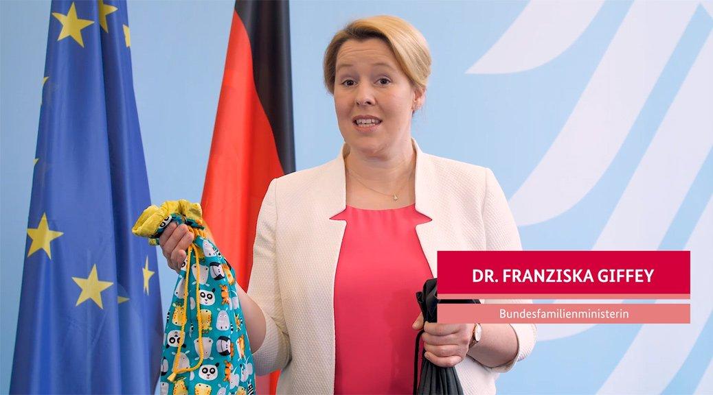 Schirmfrau Bundesministerin Dr. Franziska Giffey stellt die STARKE KINDER KISTE vor